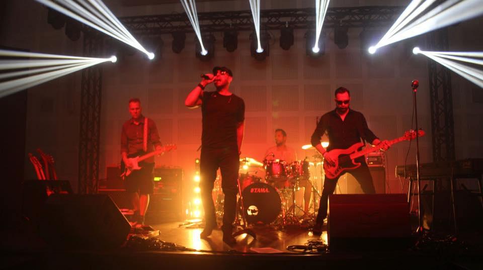 inka-h koncert a Macikávé Bisztróban
